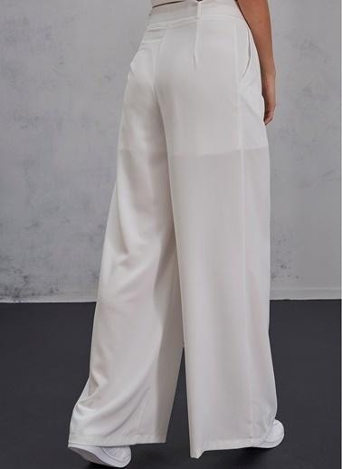 Pi π Kemerli Pantolon Beyaz